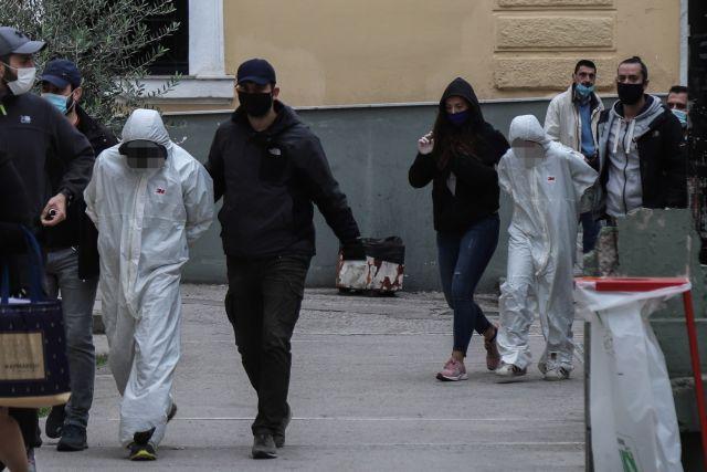 Εγκλημα στην Αγία Βαρβάρα : «Την άκουγα στο διπλανό δωμάτιο να ουρλιάζει»   tovima.gr