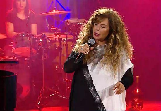 Με «Προσωπικά» και «Τραγούδι γενεθλίων» η Ελένη Δήμου στο ΜΕGA | tovima.gr