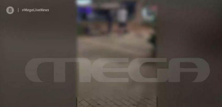 Κάρδιτσα : Νέο βίντεο – ντοκουμέντο του MEGA για τη βίαιη σύλληψη 22χρονης | tovima.gr