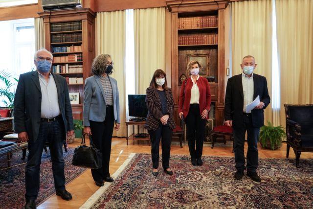 Σακελλαροπούλου για Πολυτεχνείο : Καλώ τις πολιτικές δυνάμεις να συνεννοηθούν για το εθνικό συμφέρον   tovima.gr