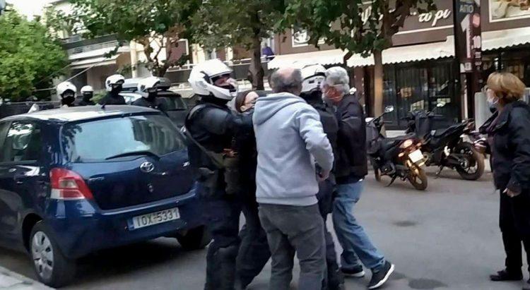 Πολυτεχνείο – Σεπόλια : Συνέλαβαν διαδηλωτή έξω από το σπίτι του   tovima.gr