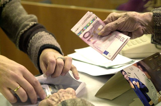 Mποναμάς σε όσους λαμβάνουν το Ελάχιστο Εγγυημένο Εισόδημα – Ολα τα μέτρα στήριξης | tovima.gr