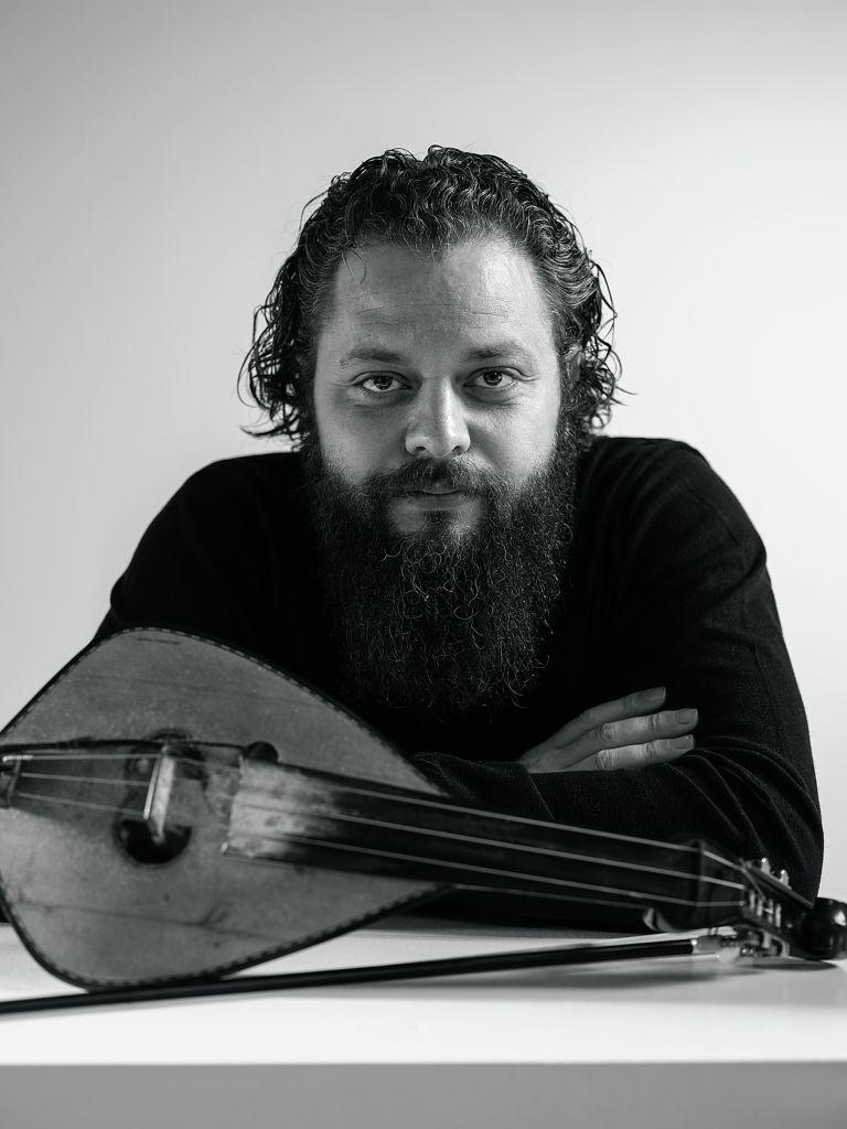 Γιώργος Νικηφόρου Ζερβάκης: «Η μουσική της Κρήτης εξυψώνει τα συναισθήματα» | tovima.gr