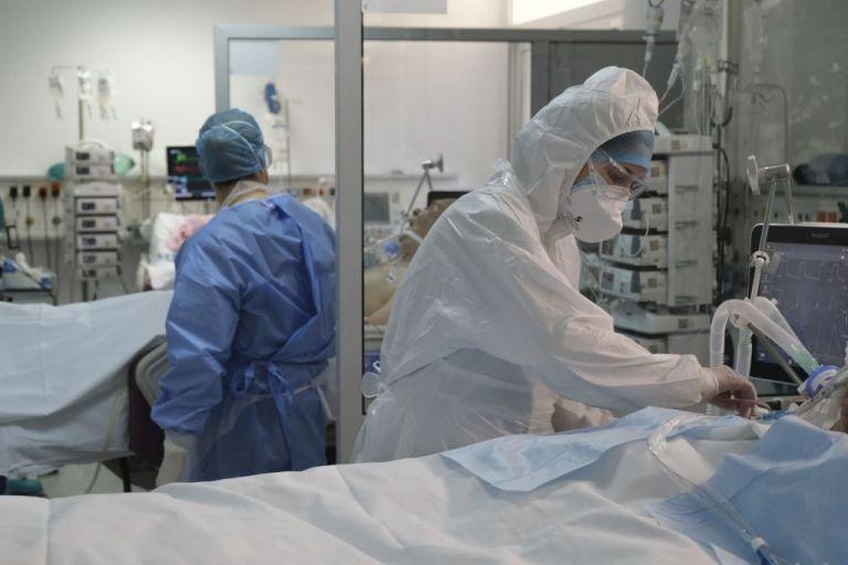 Κορωνοϊός : 27χρονος νοσηλεύεται διασωληνωμένος στο 251 ΓΝΑ | tovima.gr