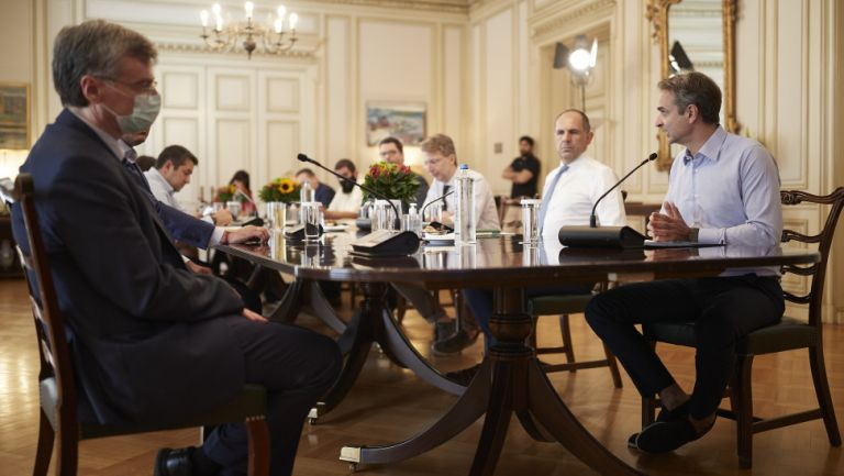 Κορωνοϊός : Οι επιδημιολόγοι στα γρανάζια της πολιτικής και πώς επηρέασε τη διαχείριση του δεύτερου κύματος   tovima.gr