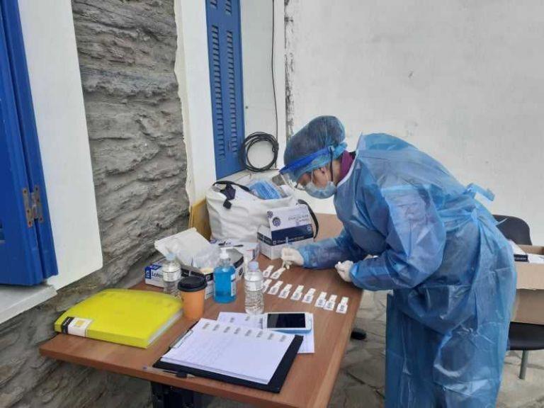 ΕΟΔΥ: Συνεχίζονται τα rapid tests σε όλη τη χώρα – Εντοπίστηκαν 144 κρούσματα | tovima.gr