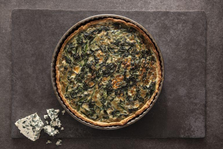 Τάρτα με σπανάκι και blue cheese   tovima.gr