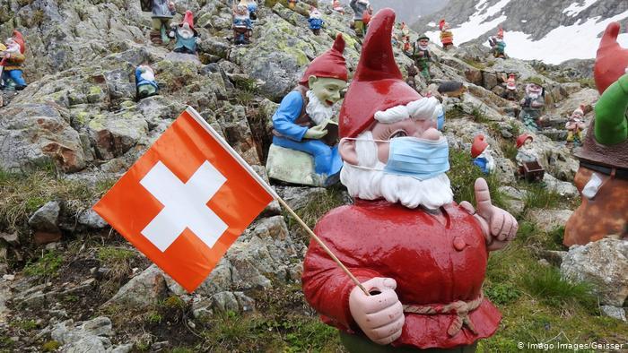 Χαλαροί οι Ελβετοί με τον κορωνοϊό | tovima.gr