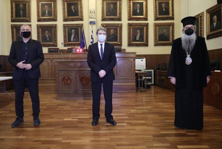 Γιάννης Μώραλης : Στις γιορτές θα τηρήσουμε τα μέτρα – Θα συμβάλλουμε στον αγώνα κατά της πανδημίας | tovima.gr