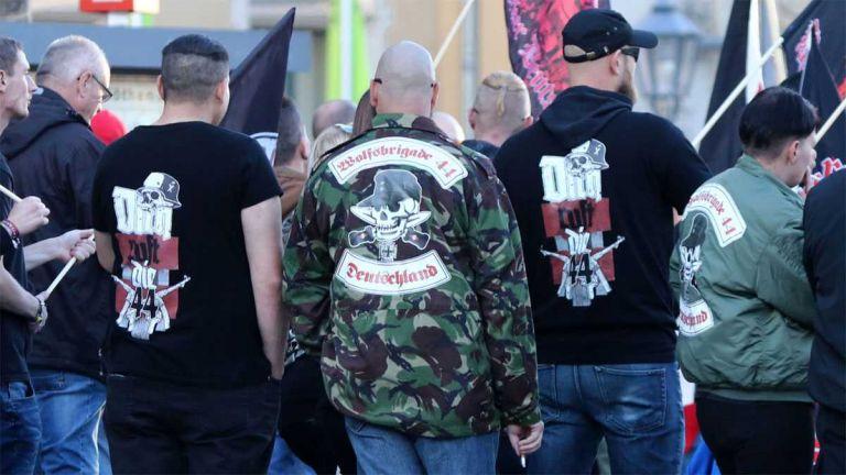 Γερμανία : Απαγορεύτηκε η ακροδεξιά οργάνωση «Ταξιαρχία Λύκων 44» – Βρέθηκαν όπλα και σύμβολα των Ναζί | tovima.gr