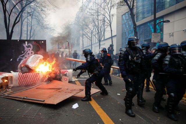 Παρίσι : 22 συλλήψεις στα επεισόδια για το νομοσχέδιο ασφάλειας | tovima.gr