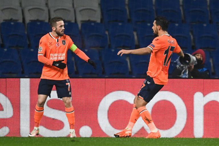 Champions League: Πρωτοφανές επεισόδιο – Έφυγε από το γήπεδο η Μπασακσεχίρ για ρατσιστικό σχόλιο | tovima.gr