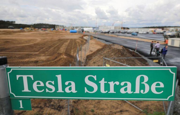 Περιβαλλοντικές οργανώσεις μπλόκαραν δικαστικά  τη δημιουργία εργοστασίου της Tesla στην Ευρώπη | tovima.gr