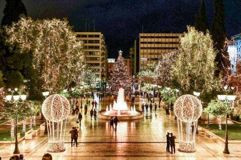 Μια Αθηναϊκή χριστουγεννιάτικη ιστορία και η φωταγώγηση του δέντρου | tovima.gr