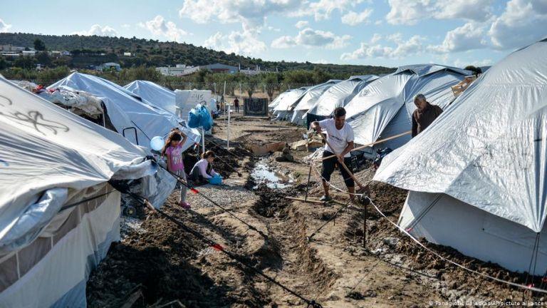 Καταστροφικές συνθήκες και στο νέο προσφυγικό κέντρο της Λέσβου | tovima.gr