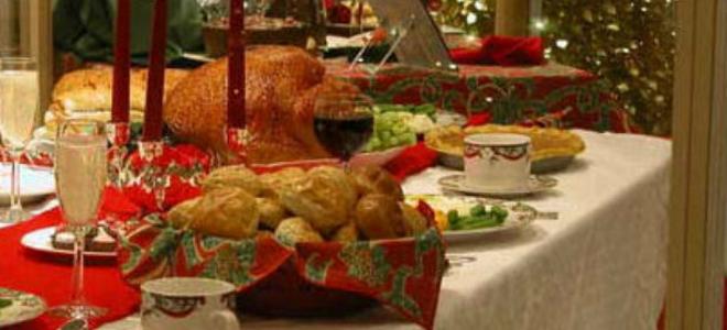Κορωνοϊός : Οι λοιμωξιολόγοι ανησυχούν και απορούν για τα 9 άτομα στο γιορτινό τραπέζι | tovima.gr