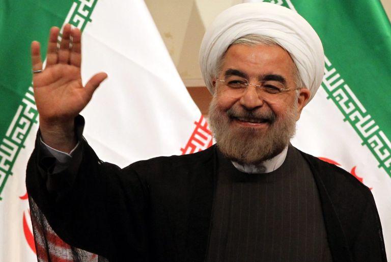 Ιράν : Την ικανοποίησή του για την αποχώρηση του «τρομοκράτη» Τραμπ εξέφρασε ο πρόεδρος Ροχανί | tovima.gr