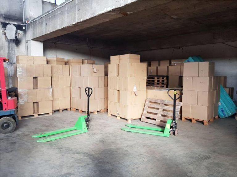 Επιχείρηση της ΕΛ.ΑΣ. σε παράνομα εργοστάσια καπνού και τσιγάρων στην Αττική – 39 συλλήψεις | tovima.gr