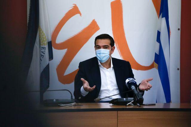 Τσίπρας από Ελευσίνα : Ολιγωρία και διαχειριστική ανικανότητα των υπευθύνων οδήγησαν σε έξαρση της πανδημίας | tovima.gr