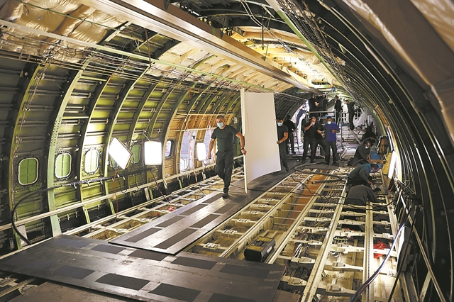Μετατρέπουν σε cargo τα επιβατικά αεροσκόφη | tovima.gr