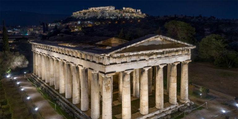 Νέος εντυπωσιακός φωτισμός στον ναό του Ηφαίστου και στο μνημείο Φιλοπάππου | tovima.gr