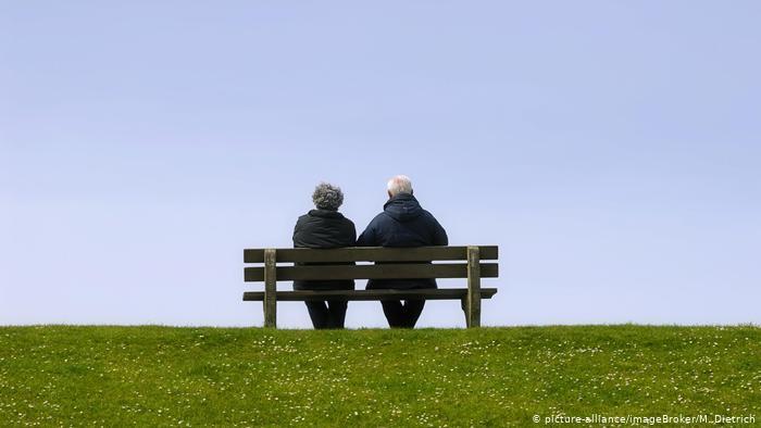 Ηλικιωμένοι υπεράνω πανδημίας | tovima.gr