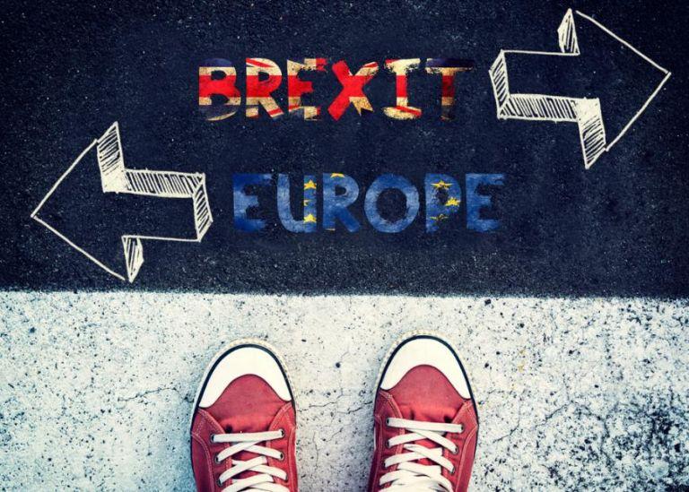 Brexit : Tι αλλάζει για τους Έλληνες που εργάζονται και σπουδάζουν στη Βρετανία – Τέλος και το Erasmus | tovima.gr