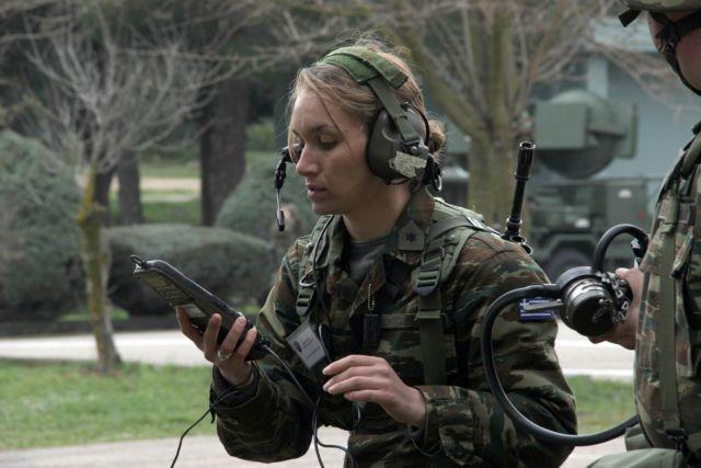 Στεφανής : Υπό εξέταση η εθελοντική υπηρέτηση γυναικών στην Εθνοφυλακή | tovima.gr