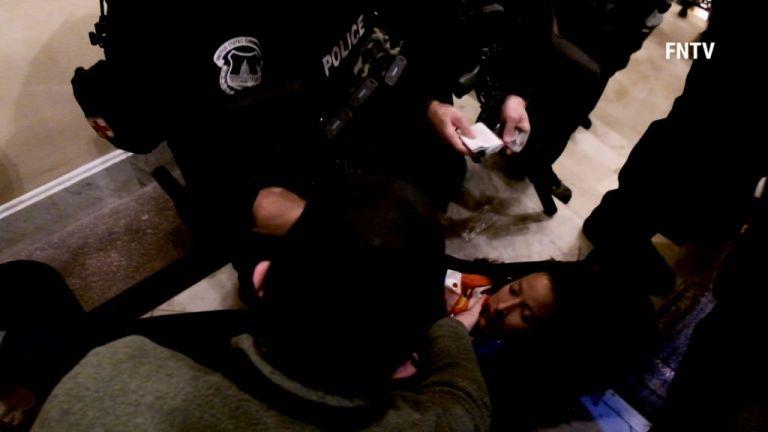 ΗΠΑ: Σε διαθεσιμότητα αστυνομικός για την δολοφονία της 44χρονης στο Καπιτώλιο | tovima.gr