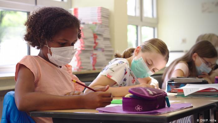 Κορωνοϊός – Σουηδία : Ανοικτά σχολεία και θνησιμότητα σε μαθητές και δασκάλους | tovima.gr
