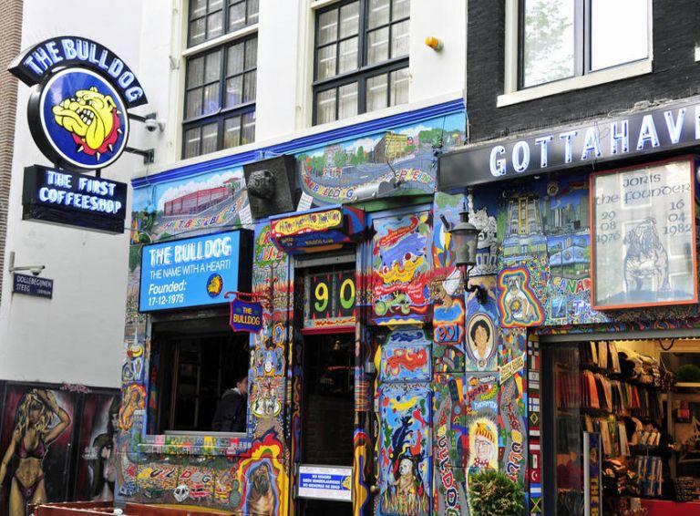 Άμστερνταμ : Έρχεται το τέλος των coffeeshops για τους τουρίστες | tovima.gr