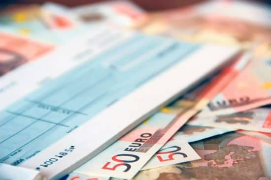 Σκυλακάκης στο MEGA: Έρχεται νομοθετική διάταξη για τις επιταγές | tovima.gr