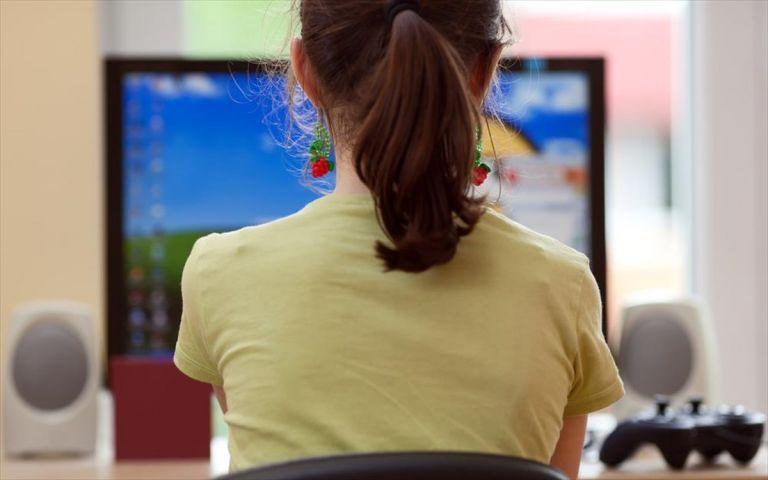 Εξαδάκτυλος : Καλύτερα να έρθει εισόδημα στο σπίτι και να συνεχιστεί η τηλεκπαίδευση | tovima.gr