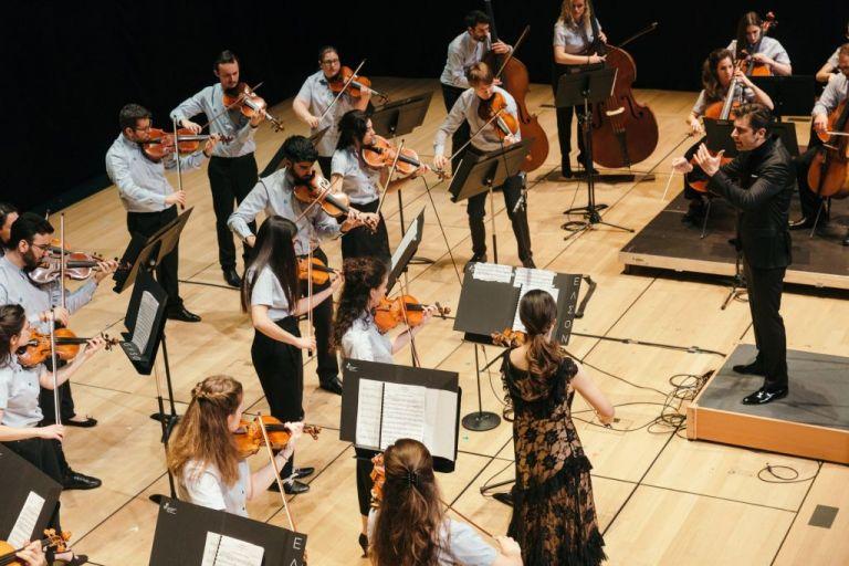 Η Ελληνική Συμφωνική Ορχήστρα Νέων βρήκε νέα στέγη στο Μέγαρο Μουσικής Αθηνών   tovima.gr