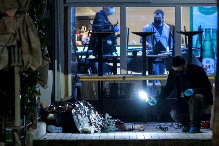 Νέος Κόσμος : Νέα στοιχεία για την αιματηρή επίθεση – Οι κάμερες «είδαν» τον δράστη | tovima.gr