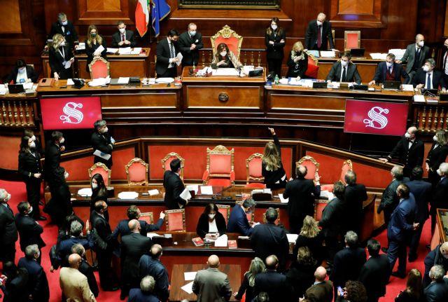 Η ιταλική Γερουσία έδωσε ψήφο εμπιστοσύνης στην κυβέρνηση Κόντε | tovima.gr