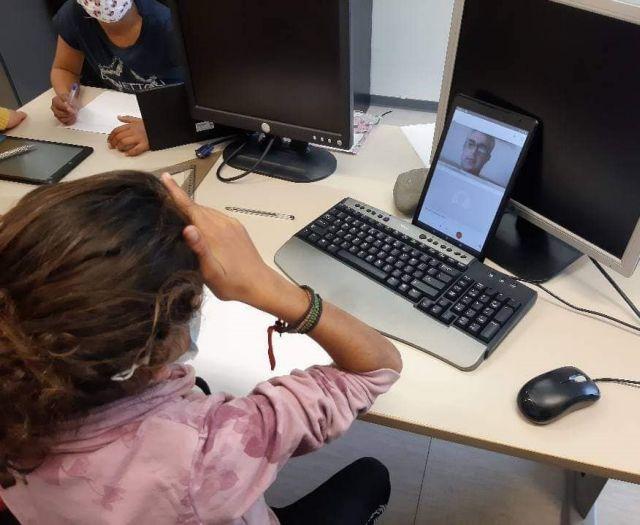 Μόλις το 24% των μαθητών έχει πλήρη πρόσβαση στην τηλεκπαίδευση | tovima.gr