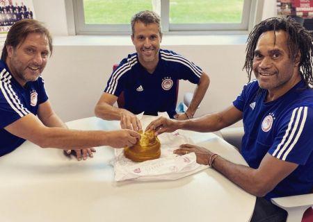 Ολυμπιακός : Τι γιόρτασαν σήμερα μαζί Μαρτίνς και Καρεμπέ