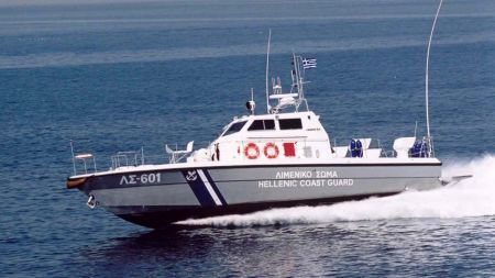 Ρώσος μπήκε παράνομα στην Ελλάδα με κλεμμένο ιστιοφόρο από την Τουρκία και συνελήφθη στην Τήνο