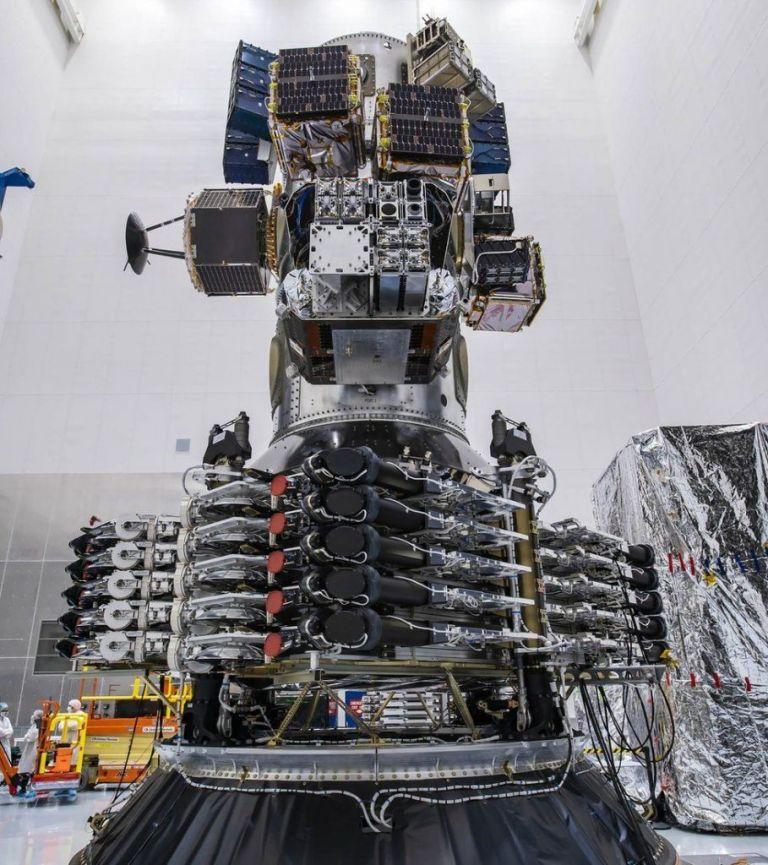 H SpaceX σπάει τα ρεκόρ με ταυτόχρονη εκτόξευση 143 δορυφόρων | tovima.gr