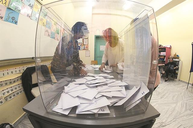 Ανατροπή στους ΟΤΑ: Θεσπίζεται η εκλογή δημάρχου με 40% – 43% από την πρώτη Κυριακή | tovima.gr