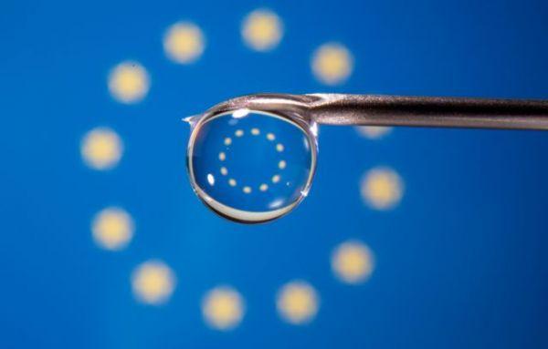 Εμβόλιο: Ανησυχία στη Βρετανία μετά την απειλή της Ευρώπης για μπλόκο στα εμβόλια – Έγκαιρες παραδόσεις ζητά η ΕΕ | tovima.gr