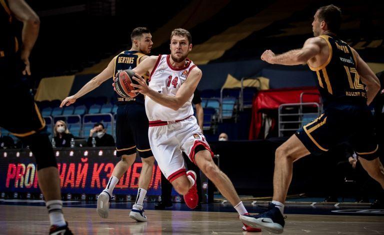Ολυμπιακός : Στην προπόνηση οι Αγγελόπουλοι – Τι γίνεται με Βεζένκοφ   tovima.gr