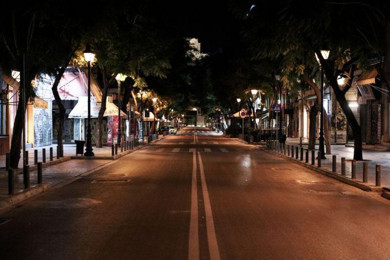 Lockdown : Ερήμωσαν Αθήνα και Θεσσαλονίκη – Αυστηροί έλεγχοι για την απαγόρευση κυκλοφορίας | tovima.gr