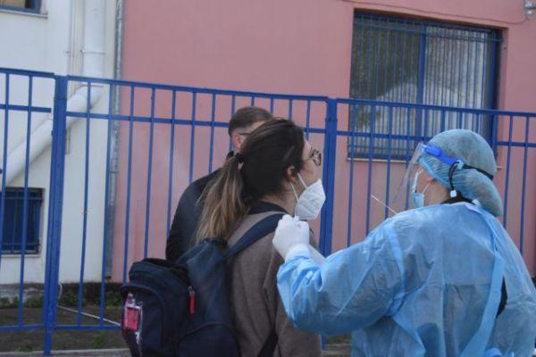Μακρή : Καμία συζήτηση για κλείσιμο σχολείων – Τι είπε για περαιτέρω μείωση στην ύλη της Γ' Λυκείου | tovima.gr