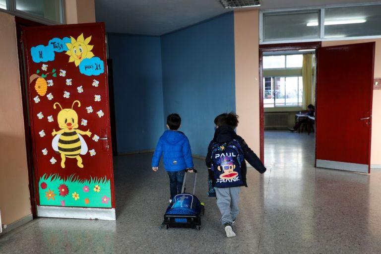 Κοροναϊός : Δραματική αύξηση διασποράς σε παιδιά και έφηβους – Κάτω των 17 ετών ένα στα οκτώ κρούσματα | tovima.gr
