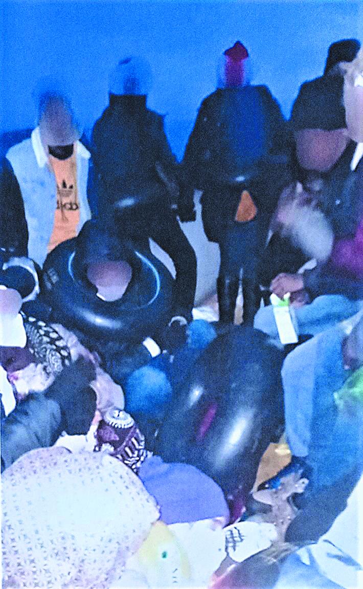 Μέλη ΜΚΟ έκρυβαν μετανάστες σε σπηλιές νησιών | tovima.gr