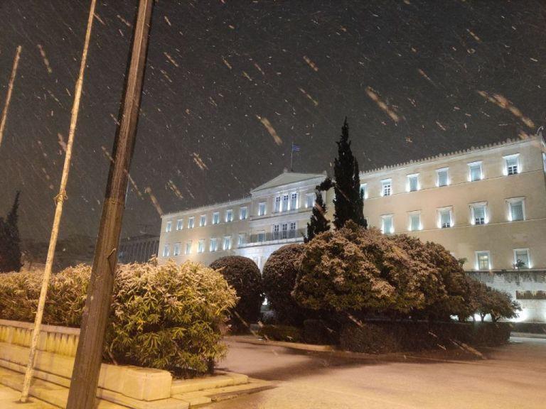 Κακοκαιρία «Μήδεια»: Στην κατάψυξη η χώρα – Χιόνια στην Αθήνα | tovima.gr