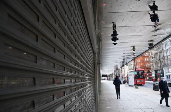 Βρετανία : Ανοίγουν ως το Πάσχα παμπ και εστιατόρια, τελειώνει το σκληρό lockdown | tovima.gr