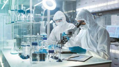 Κορωνοϊός : Η μετάδοση μέσω τροφίμων και η αποτελεσματικότητα των εμβολίων έναντι των νέων στελεχών | tovima.gr
